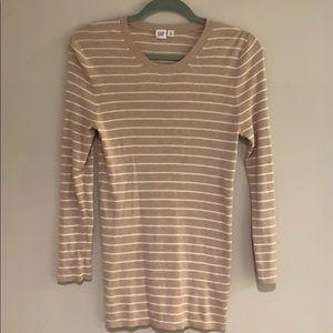 GAP long sleeve knit top